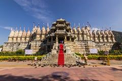 08 november, 2014: Ingang aan de Jain-tempel van Ranakpur, Indi Royalty-vrije Stock Fotografie