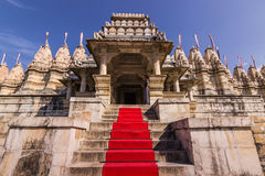 08 november, 2014: Ingang aan de Jain-tempel van Ranakpur, Indi Royalty-vrije Stock Afbeelding