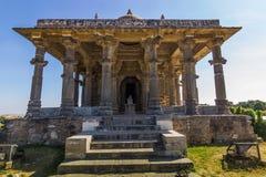 08 november, 2014: Ingang aan een Hindoese tempel in Kumbhalgarh voor Stock Fotografie