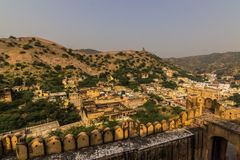 04 november, 2014: Landschap rond Amber Fort in Jaipur Stock Afbeeldingen