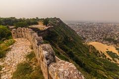04 november, 2014: Muren rond Amber Fort in Jaipur, binnen Royalty-vrije Stock Afbeelding