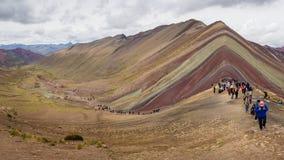 NOVEMBER/9/2017 PERU Vinicunca ou montanha do arco-íris imagem de stock
