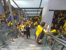 19. November 2016 Sammlung Kuala Lumpur Malaysiaâ-€™s Bersih 5: Protestierender wiegen die Kosten von Aktion unter einem repressi Lizenzfreie Stockfotos
