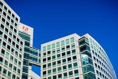 November 25, 2018 San Jose/CA/USA - Adobe Inc huvudkontor arkivfoto