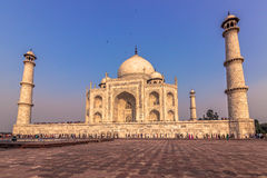 02 november, 2014: Sideview van Taj Mahal in Agra, India Stock Afbeelding