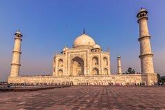 02 november, 2014: Sideview van Taj Mahal in Agra, India Stock Afbeelding