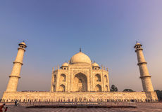 02 november, 2014: Sideview van Taj Mahal in Agra, India Stock Afbeeldingen