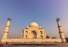 02 november, 2014: Sideview van Taj Mahal in Agra, India Stock Afbeeldingen