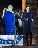 NOVEMBER 7, 2016, SJÄLVSTÄNDIGHETKORRIDOR, PHIL , PA - räkning och Chelsea Clinton Mezvinsky välkommen presidentsfru Michelle Oba Arkivfoto