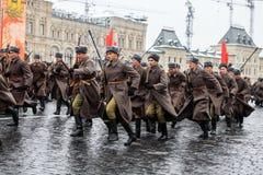 05 NOVEMBER, 2016: Volledig-kledingsrepetitie van de parade, gewijd aan 7 November, 1941 op Rood Vierkant in Moskou Royalty-vrije Stock Fotografie