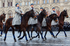 05 NOVEMBER, 2016: Volledig-kledingsrepetitie van de parade, gewijd aan 7 November, 1941 op Rood Vierkant in Moskou Stock Foto