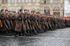 05 NOVEMBER, 2016: Volledig-kledingsrepetitie van de parade, gewijd aan 7 November, 1941 op Rood Vierkant in Moskou Stock Fotografie