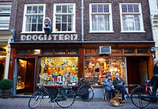 November 30 2013: young people amuse themself in downtown Amsterdam Royalty Free Stock Photos