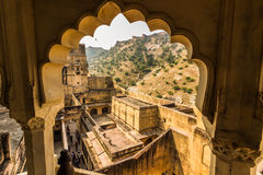 4 novembre 2014 : Arcade dans Amber Fort à Jaipur, Inde Photo stock