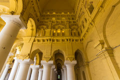 13 novembre 2014: Dentro il palazzo i di Thirumalai Nayakkar Mahal Fotografia Stock Libera da Diritti