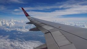 20 novembre 2017 : Vols d'Air Asia de Chiang Rai CEI - Chiang Rai Intl vers Bangkok DMK - Don Mueang Intl Images libres de droits