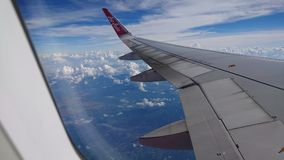 20 novembre 2017 : Vols d'Air Asia de Chiang Rai CEI - Chiang Rai Intl vers Bangkok DMK - Don Mueang Intl Photographie stock libre de droits