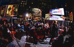 Novembro 4, 2008 - o Times Square em NYC Foto de Stock Royalty Free