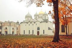novgorod Ρωσία veliky Καθεδρικός ναός Αγίου Sophia στην ομίχλη φθινοπώρου Στοκ Εικόνες
