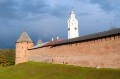 novgorod Ρωσία veliky Ο μητροπολιτικός πύργος και πύργος ρολογιών Novgorod Κρεμλίνο Στοκ Φωτογραφίες