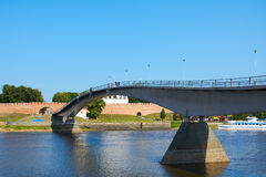 Novgorod das große, eine Fußgängerbrücke Stockfoto