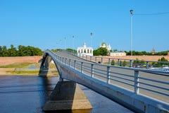 Novgorod die große, Fußgängerbrücke Stockfotos