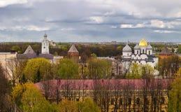 Novgorod el Kremlin con una vista panorámica, Veliky Novgorod Fotos de archivo libres de regalías