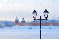 Novgorod het Kremlin in Veliky Novgorod, Rusland - het architecturale landschap van de de winterstad royalty-vrije stock fotografie