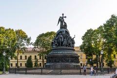 Novgorod, Russia - 31 agosto 2018: Il millennio del monumento della Russia nel Cremlino di Novgorod immagine stock libera da diritti
