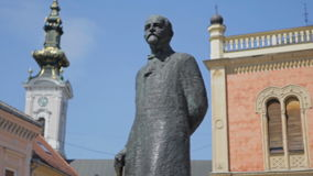 Novi Sad, centro da cidade, estátua de Zmaj Jova filme