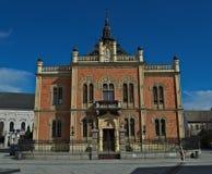 Novi Sad, Sérvia - 13 de março de 2018: Monumento do palácio e do Jovan Jovanovic dos bispos, Imagem de Stock