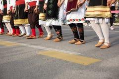 Novi Sad Sebia: 4 Oktober 2015 Folkloregrupp från Serbien arkivfoton