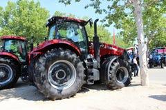 Novi Sad Serbien, 20 05 2018 mässa, traktor Royaltyfria Bilder