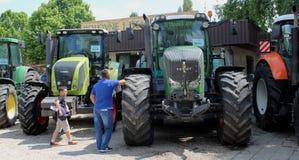 Novi Sad Serbien, 20 05 2018 mässa, traktor Royaltyfri Foto