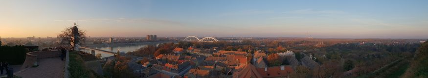 Novi Sad - Serbien - Panorama stockfotos