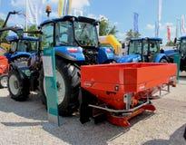 Novi Sad Serbien, 20 05 Spreaders för 2018 mässa, traktor- och gödningsmedel Royaltyfri Foto