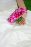 Novia con el ramo de la boda fotos de archivo libres de regalías