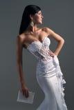 Novia de lujo en vestido del ajuste de forma Fotografía de archivo