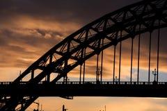 Novia de Tyne en la puesta del sol Foto de archivo libre de regalías
