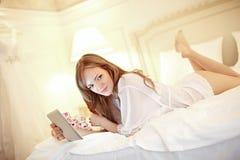 Novia en dormitorio Imagen de archivo libre de regalías