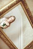 Novia en dormitorio Imágenes de archivo libres de regalías