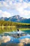 Novia en el agua Imagenes de archivo