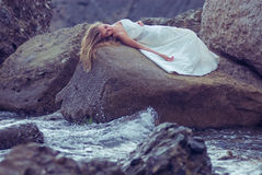 Novia en la playa Fotos de archivo