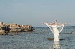Novia en la playa Imagen de archivo