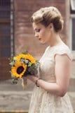 Novia en un vestido de boda Fotografía de archivo