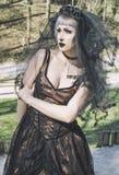 Novia gótica con velo Fotos de archivo