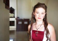 Novia hermosa con el pelo largo Fotos de archivo