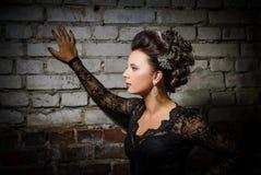 Novia hermosa con pelo-estilo de la boda de la moda Imagen de archivo libre de regalías