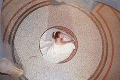 Novia hermosa desde arriba Fotos de archivo libres de regalías