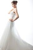 Novia hermosa en una alineada de boda lujosa Imagen de archivo